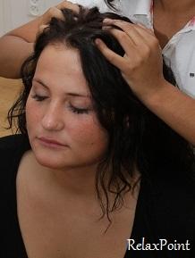 pitjit, hoofdmassage, yoga massage, thaise yogamassage, stoelmassage Den Haag, kruidenstempelmassage
